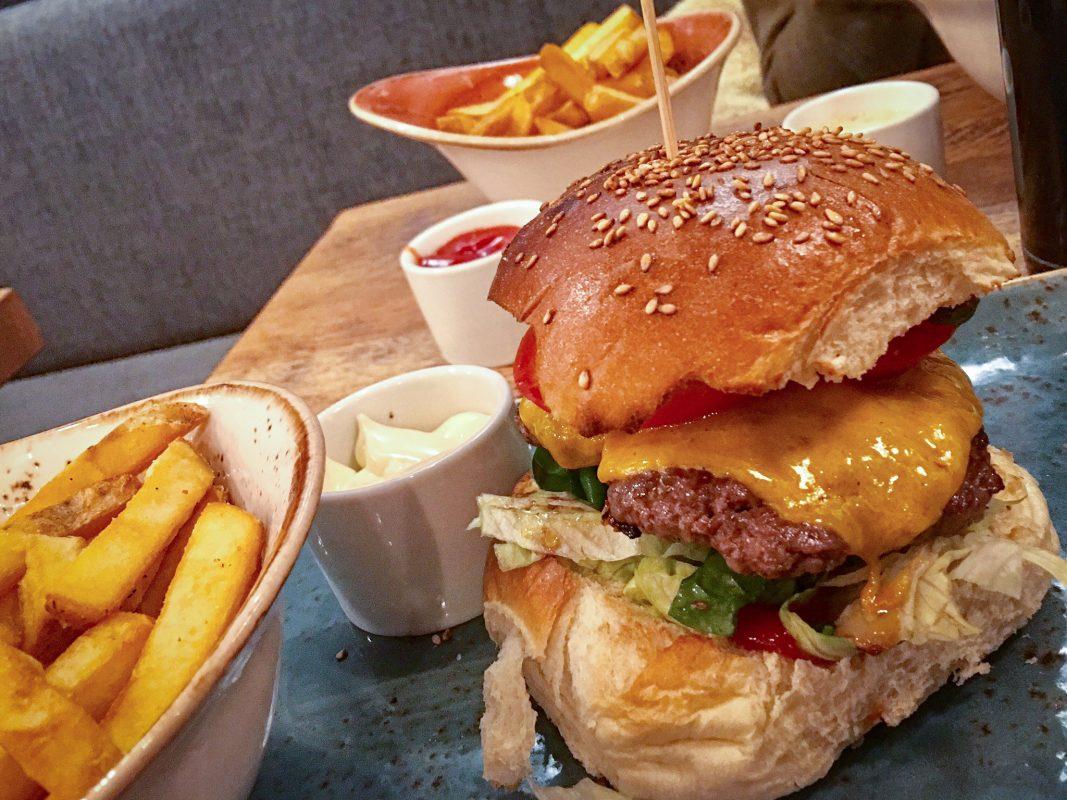 Burger. Symbolfoto: Pascal Höfig