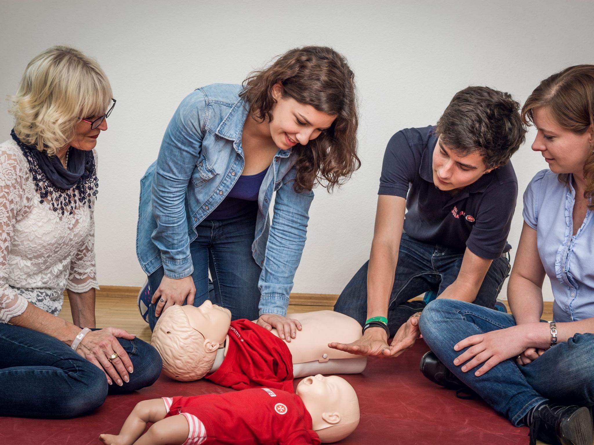 Erste-Hilfe-Kurs bei den Johannitern. Foto: Johanniter Unterfranken.