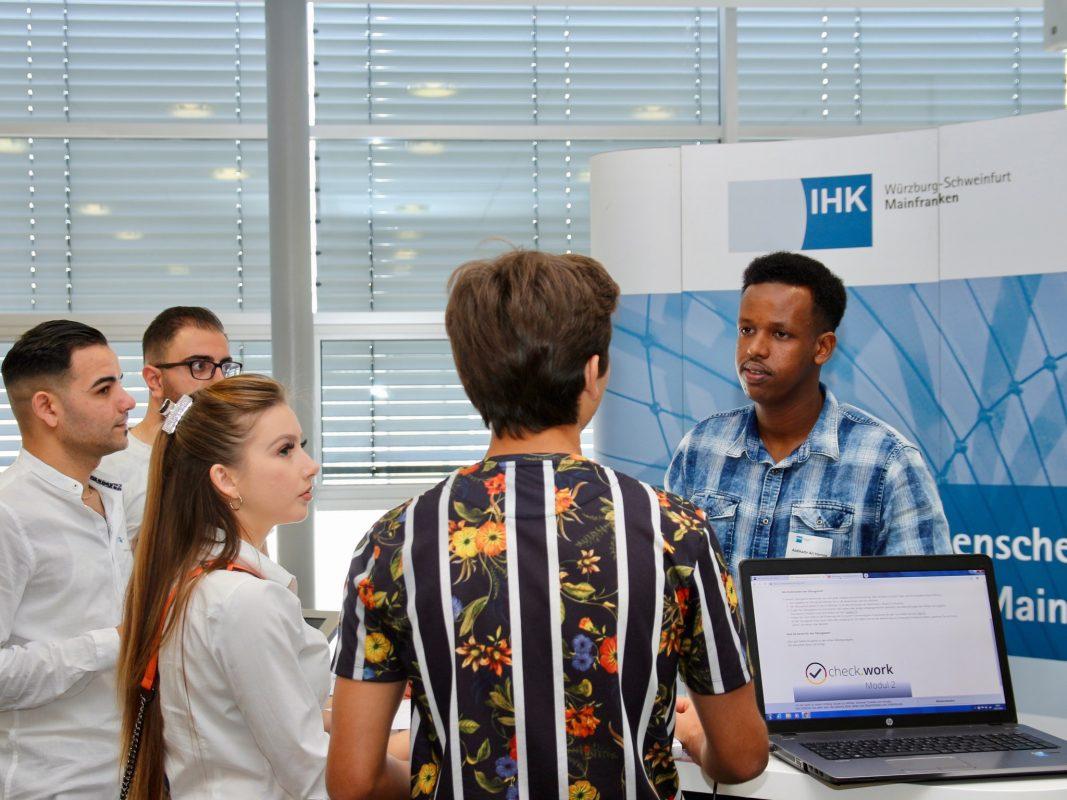 Speednetworking für Flüchtlinge: Die IHK informierte über Ausbildung bei Fluchthintergrund. Foto: IHK