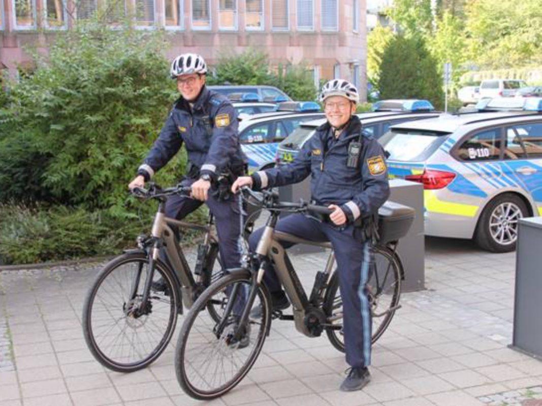Polizei auf Pedelecs. Foto: Polizeiinspektion Schweinfurt