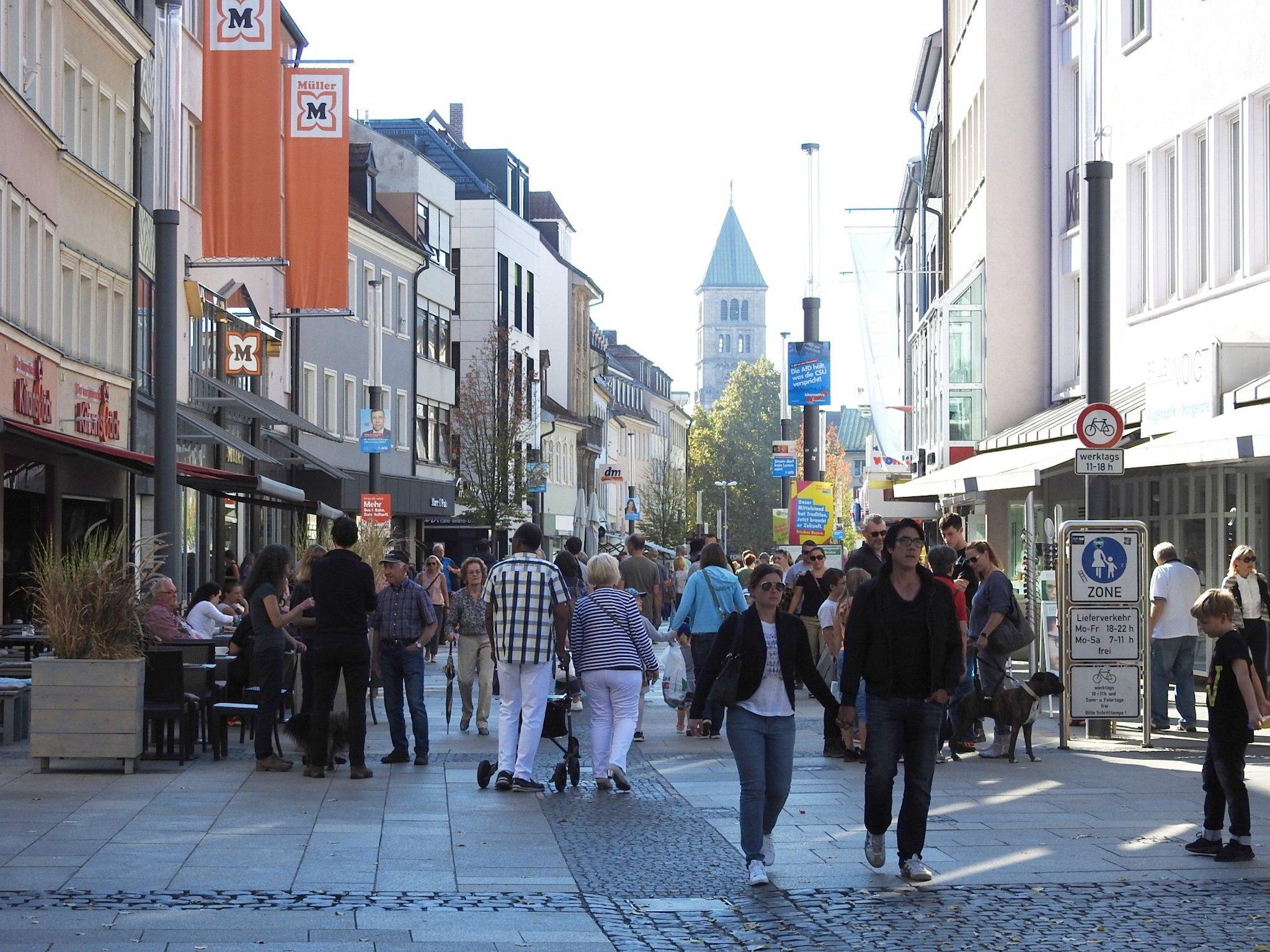 Volle Innenstadt am verkaufsoffenen Sonntag 2018. Foto: Dirk Flieger