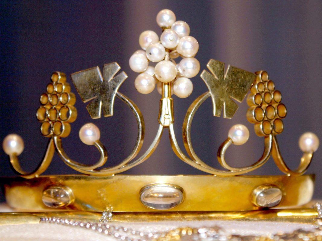Die Krone der Weinkönigin. Foto: Frankenwein-Frankenland