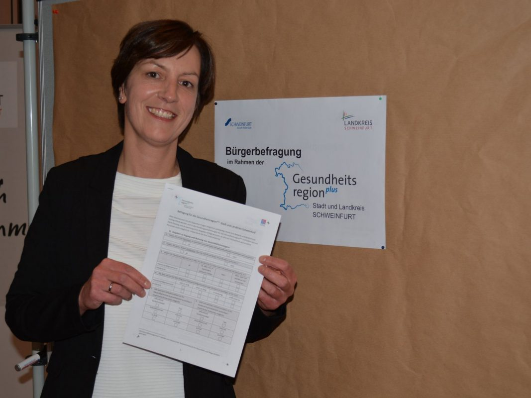 Anja Lehmeyer hofft, dass viele Bürger bei der Haushaltsbefragung Anfang November mitmachen. Foto: Landratsamt Schweinfurt, Uta Baumann