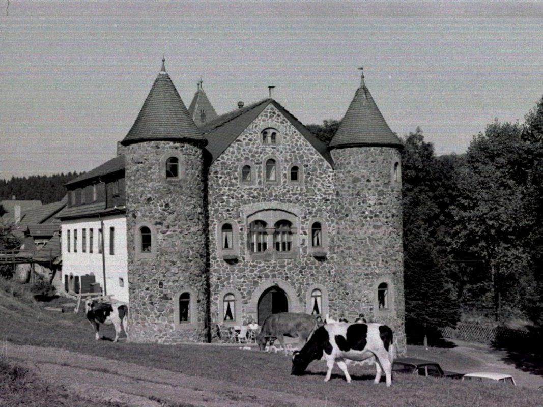 Das Jagdschloss am Holzberghof aus dem Jahr 1967. Foto: Willi Hobner.