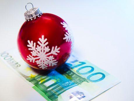 Auch Mini- Jobber haben Anspruch auf ein Weihnachtsgeld, wenn der Chef den anderen Mitarbeitern im Betrieb ein solches zahlt. Foto: NGG