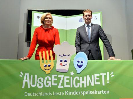 Bundesernährungsministerin Julia Klöckner und der Präsident der DEHOGA Guido Zöllick beim Startschuss für den Wettbewerb