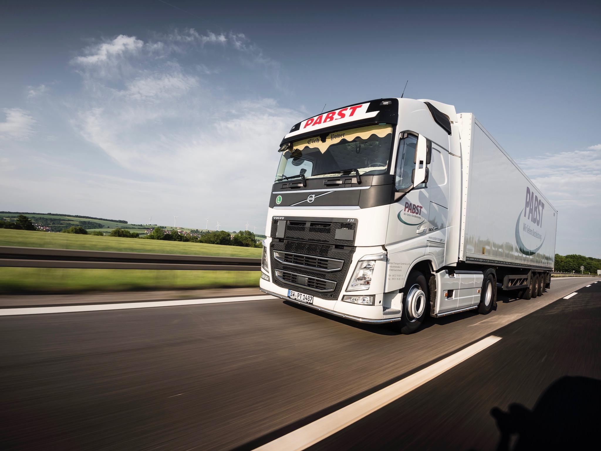 Pabst Transport bewegt mit über 320 eigenen LKWs ganz verschiedene Waren. Foto: Pabst Transport