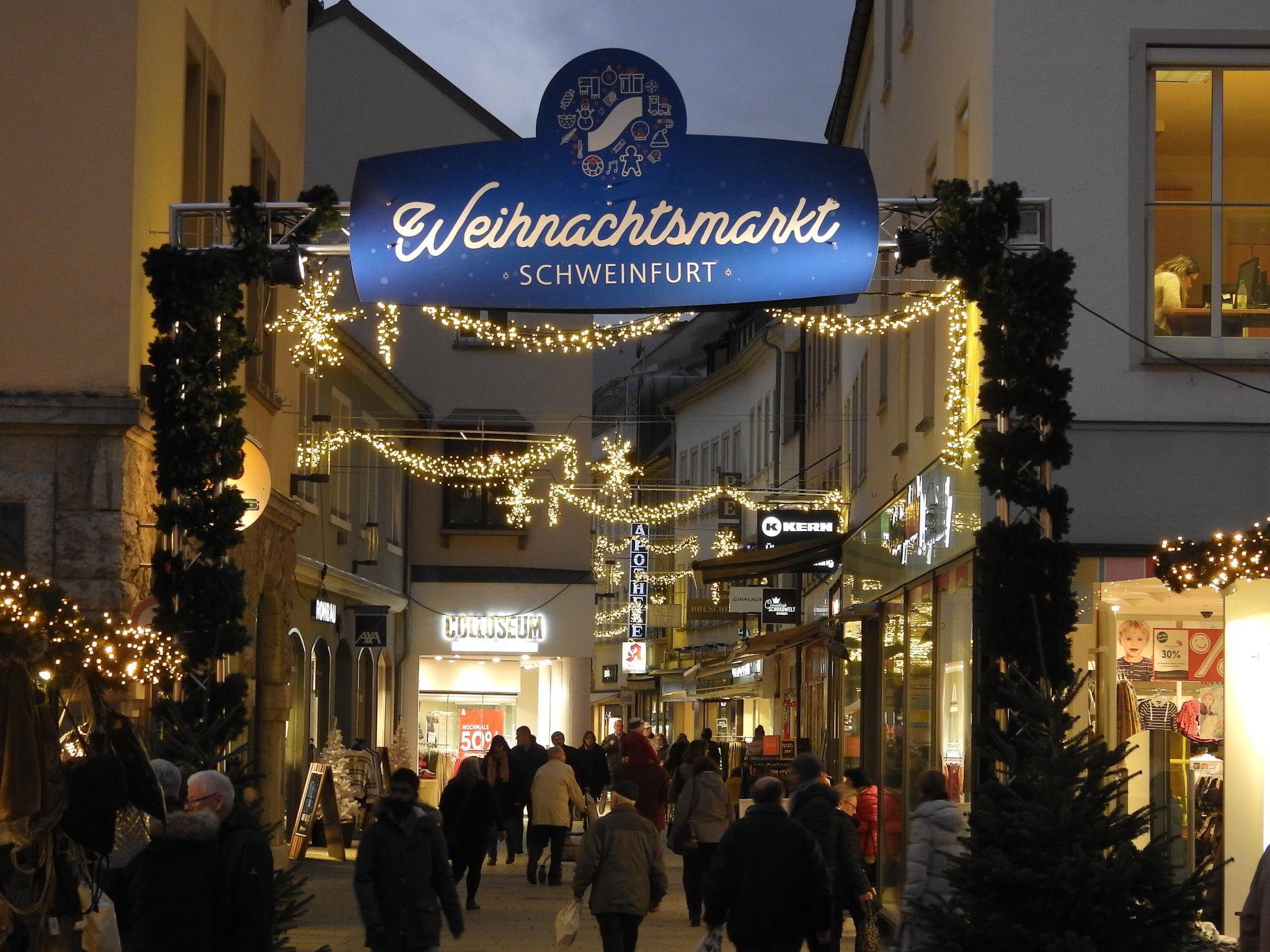 Die weihnachtliche Keßlergasse. Foto: Dirk Flieger