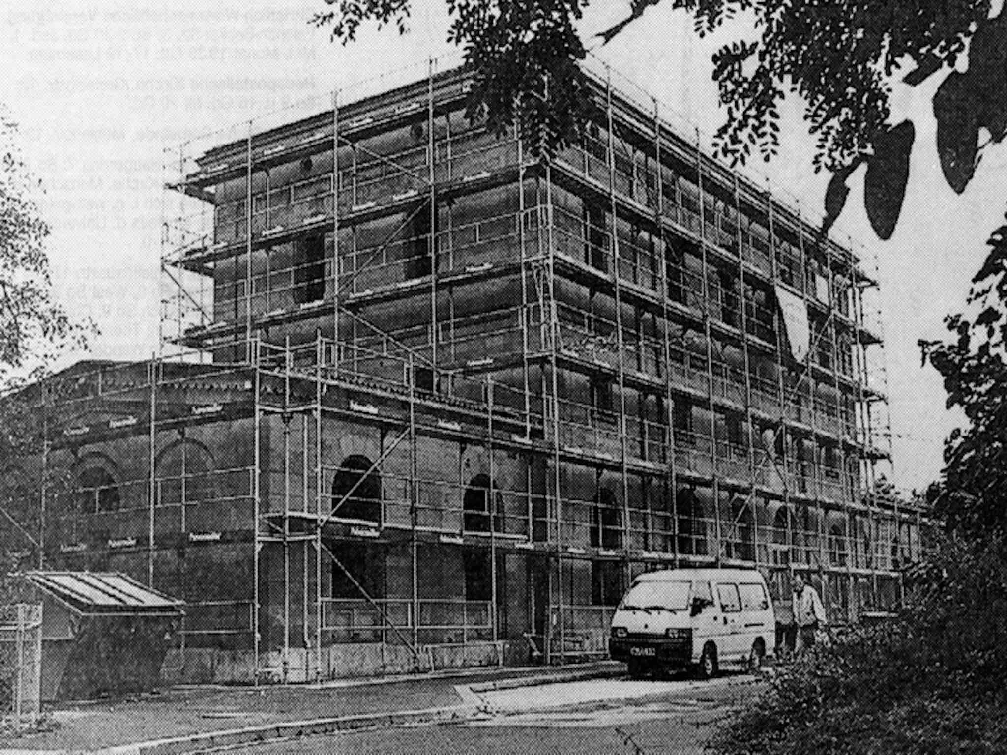 Der Ostbahnhof Heidingsfeld während der Sanierung 1996. Foto: Archiv AWO Unterfranken
