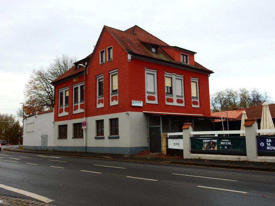 Die Tage des Pure-Club sind gezählt: in der Zukunft soll hier ein Hotel entstehen. Foto: Dirk Flieger