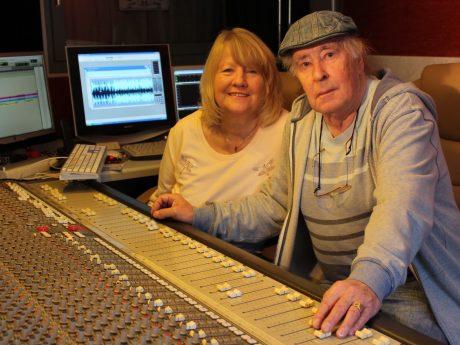 Roswitha und Jürgen Gerner in ihrem Tonstudio. Foto: Tonstudio Hirschfeld