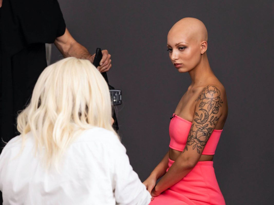 Germany´s next Topmodel - by Heidi Klum - Julia F. bei ihrem Setcard-Shooting. ProSieben/Sven Doornkaat; Fotograf: Sven Doornkaat; Bildredakteur: Susanne Karl-Metzger.