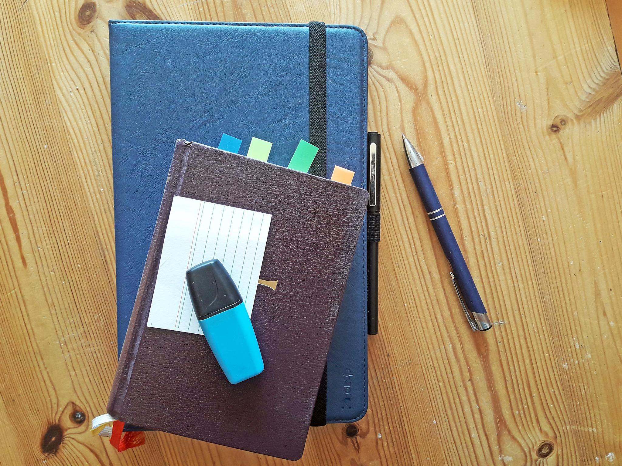 Bücher mit Post-its und Markierungen standen nicht zur Verfügung. Foto: FHWS / Klein