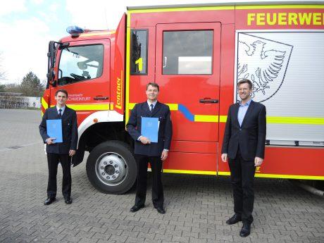 Andre Wagner, Jakob Balling und Ordnungsreferent Jan von Lackum (v.l.). Foto: Feuerwehr Schweinfurt