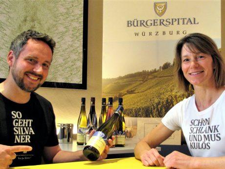 Die Wein-Experten vom Bürgerspital Würzburg sind gespannt auf die nächste Live-Weinprobe! Foto: Bürgerspital Weingut