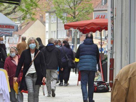 Maskenpflicht in Läden der Innenstadt Schweinfurt. Foto: Dirk Flieger