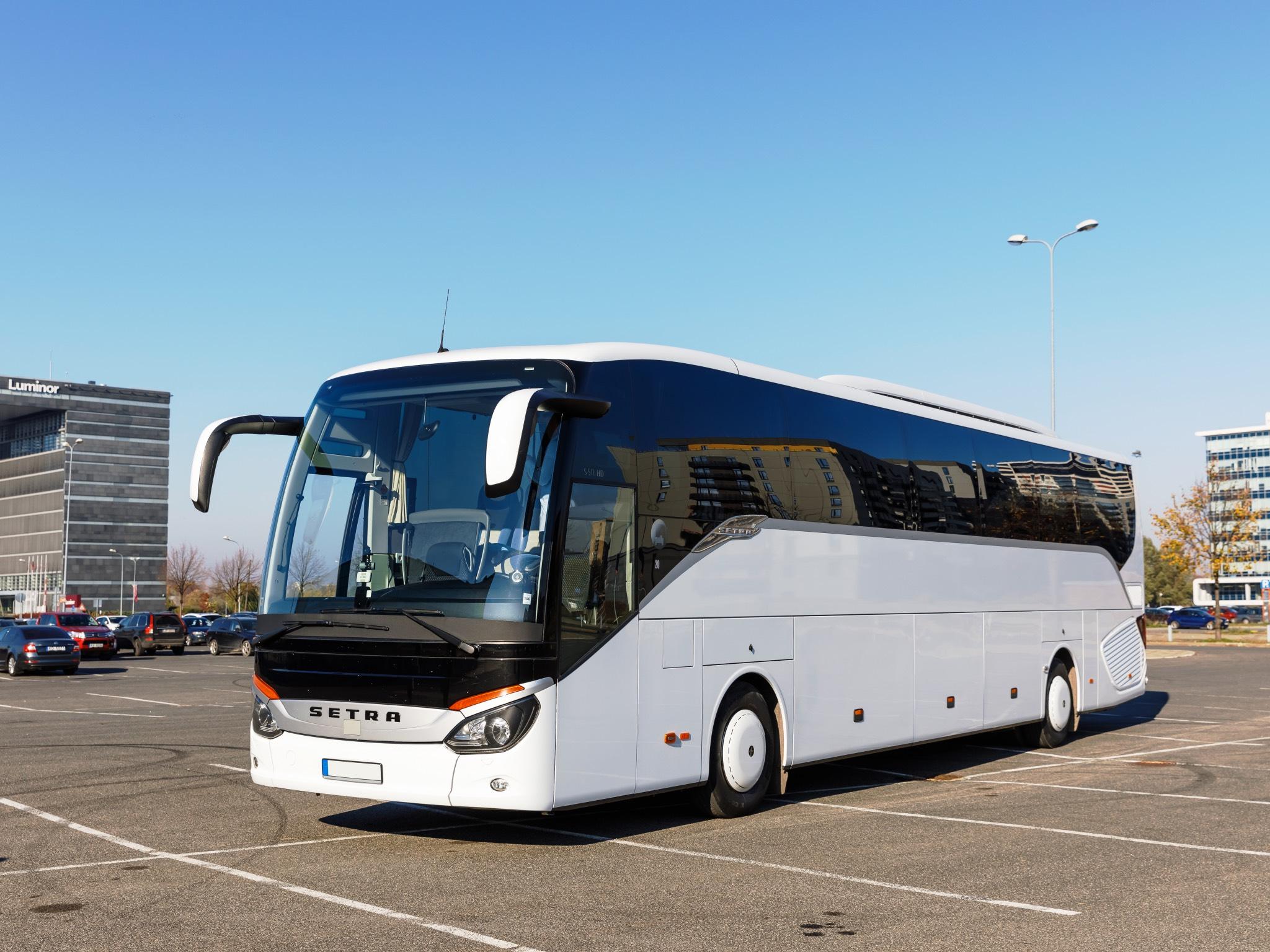 Ob Business Trips oder private Ausflüge zu Europas schönsten Städten: Das Busvermietungsunternehmen BCS Travel bietet für jeden die passende Reise! Foto: BCS Travel