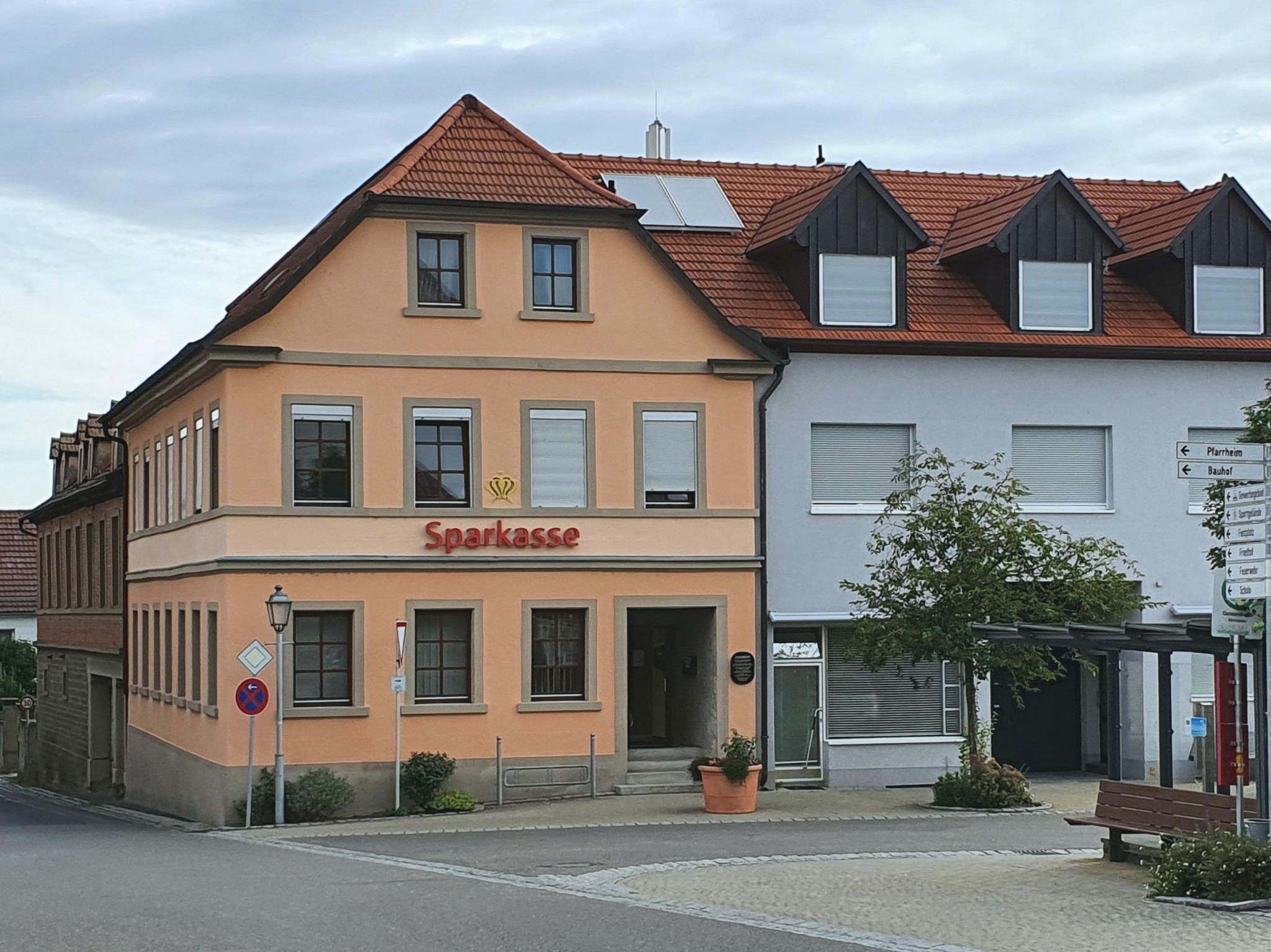 Die Sparkasse in Geldersheim. Foto: Martin Schlör, Geldersheim