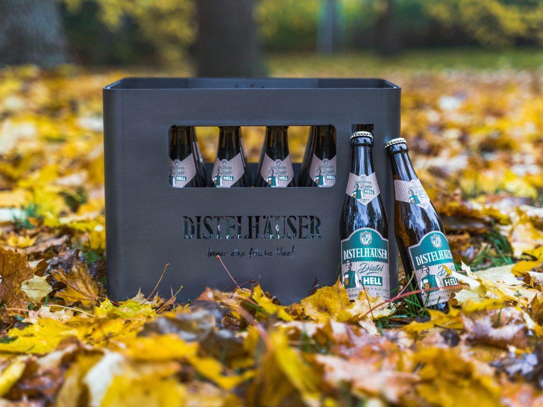 Nicht nur praktisch für den Transport von Bier, sondern auch praktisch für die kälteren Tage: Die Distelhäuser Feuerkiste. Foto: Konstantin Winter