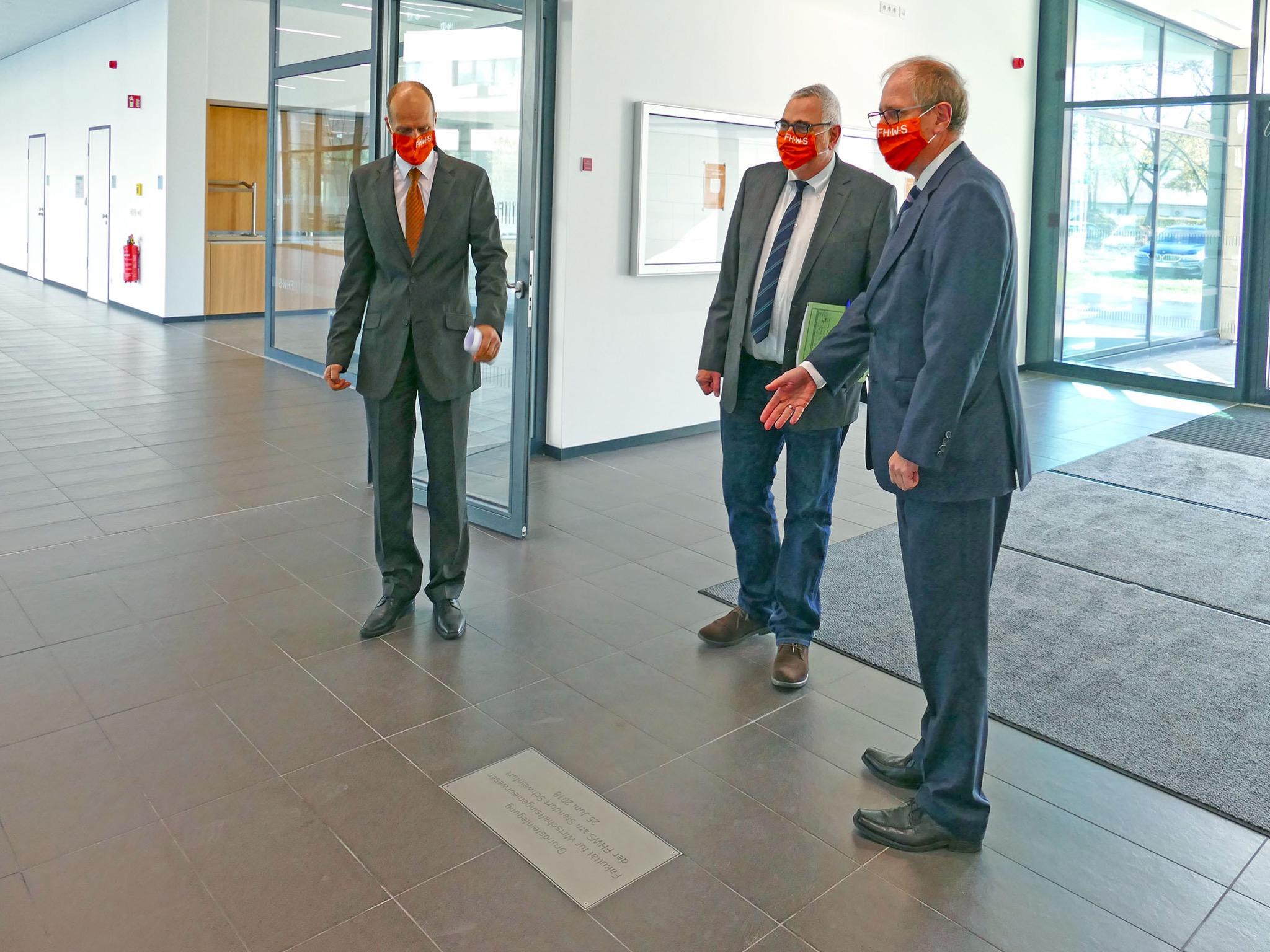 Die Grundsteinplatte für den FHWS-Neubau wurde 2018 gelegt. Foto: FHWS