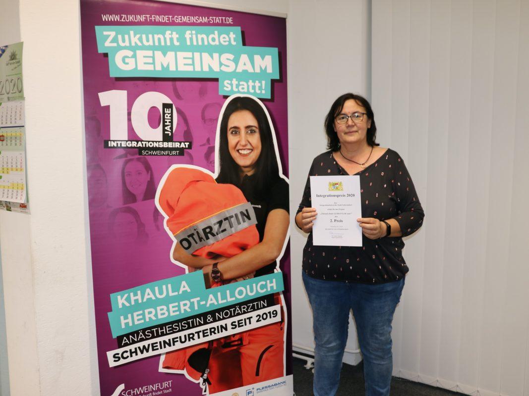 Aynur Scheuring, Vorsitzende des Integrationsbeirates, freut sich über die Auszeichnung. Foto: Dilek Öznur, Stadt Schweinfurt