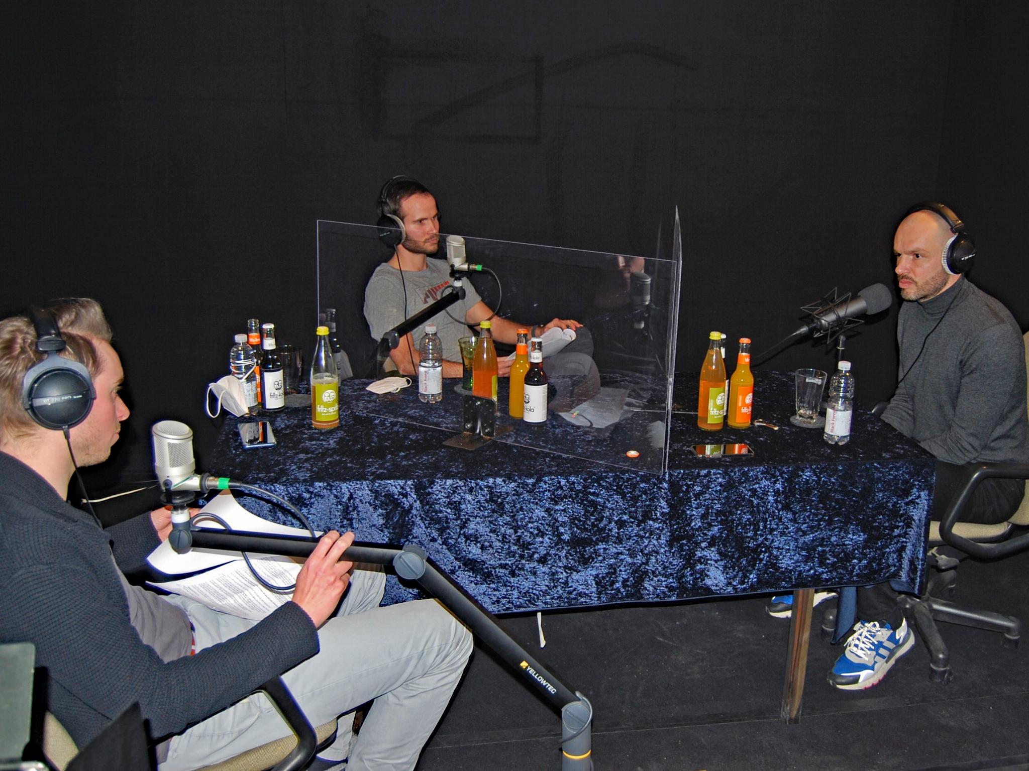 Interview mit Heiko Westermann. v.l.n.r. Sebastian Leisgang, William Vielwerth und Heiko Westermann. Foto: Immer die 3.