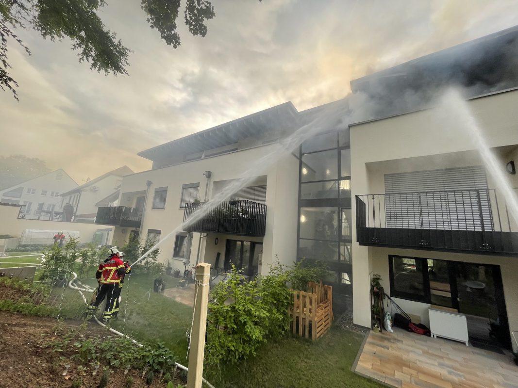 Brand in Mehrfamilienhaus. Foto: Feuerwehr Werneck