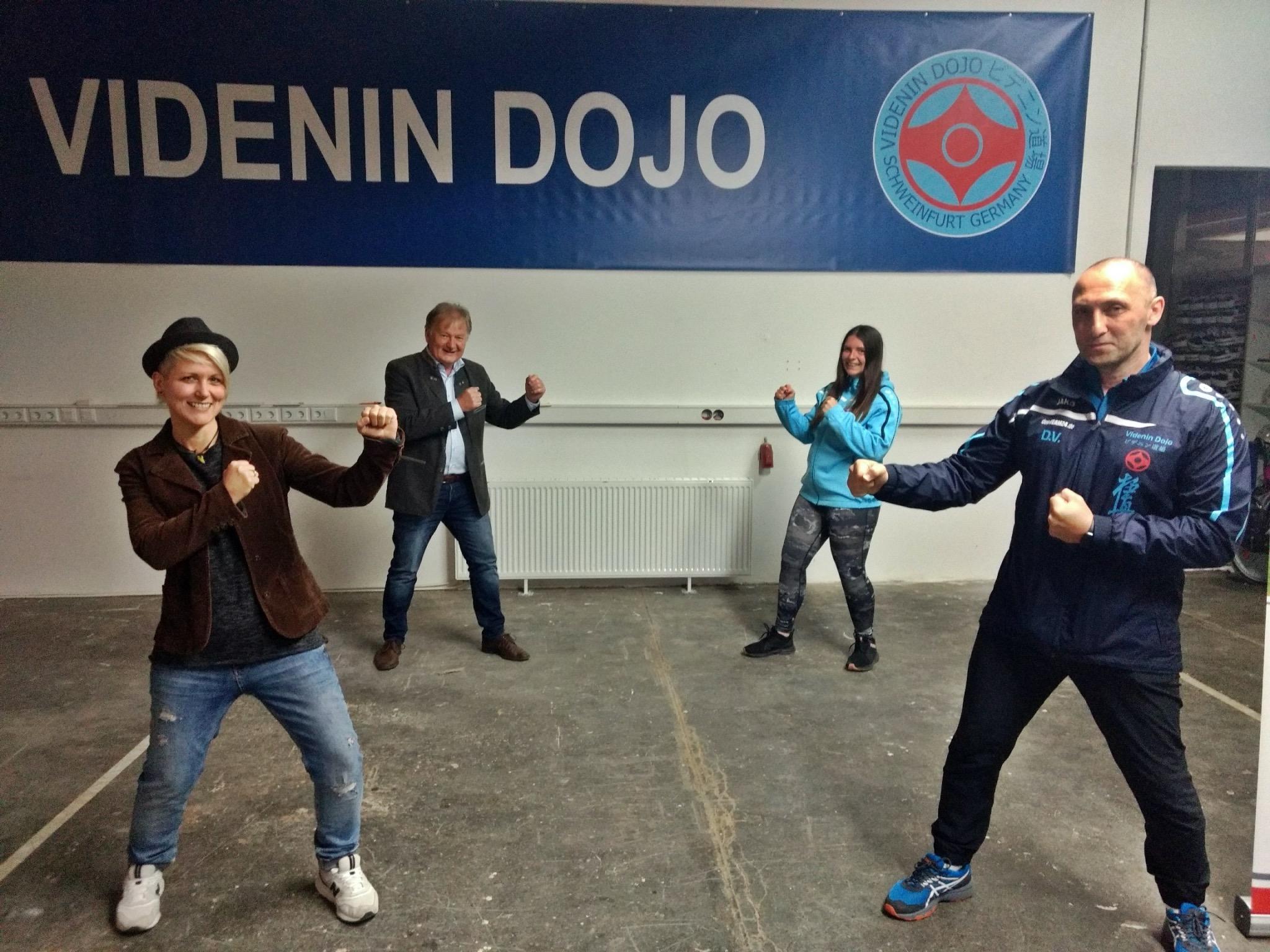 Musikerin Steffi List, Stefan Labus, Andrea Schmidt und Dmitrij Videnin (von links). Foto: Bundesverband Deutsche Kindertafel e.V.