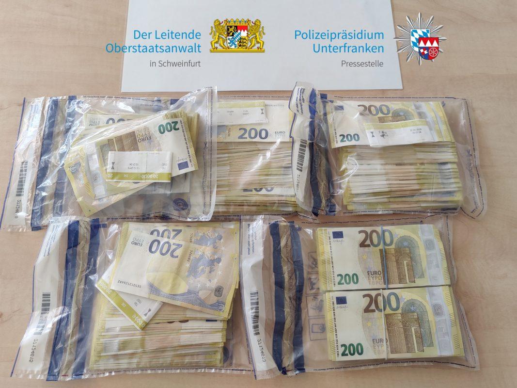Der Senior hat einem Betrüger 200.000 Euro Bargeld übergeben. Foto: Polizei
